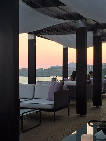 Villa Dubrovnik: rooftop cocktail lounge