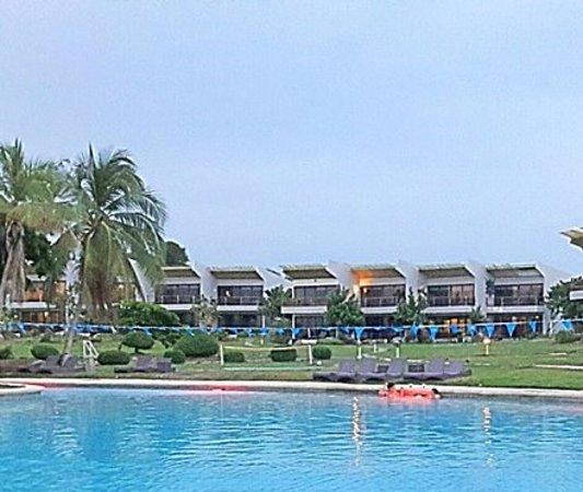 Nitro City Resort: HOTEL VILLAGE VIEW