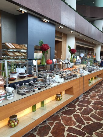 Harbourside Restaurant: Wonderful options at the breakfast buffet