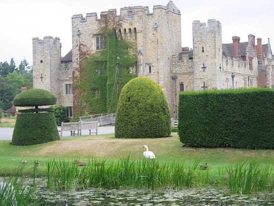 Hever, UK: Castle front