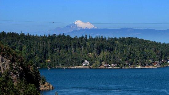 Oak Harbor, WA: Mount Baker view looking east off Deception Pass bridge