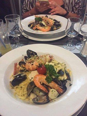 Montfavet, Francja: Pâtes de la mer avec des poissons frais ! Une super bonne assiette que je recommande vivement po