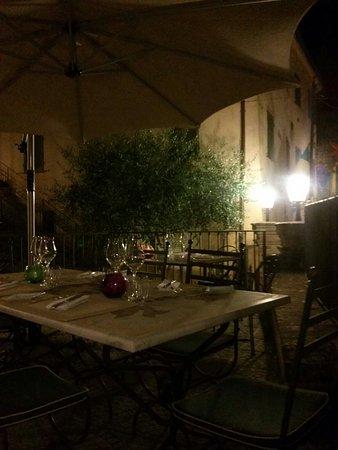 Montone, Itália: CAM00825_large.jpg