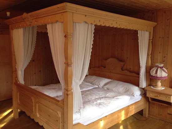 Oberrickenbach, Svizzera: Himmelbettzimmer