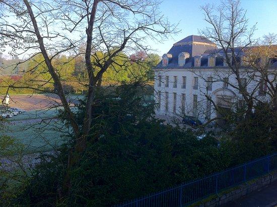 Rambouillet, France : Zimmerblick auf den Park