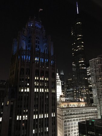 Great plAce to stay when in Chicago! Right in center!