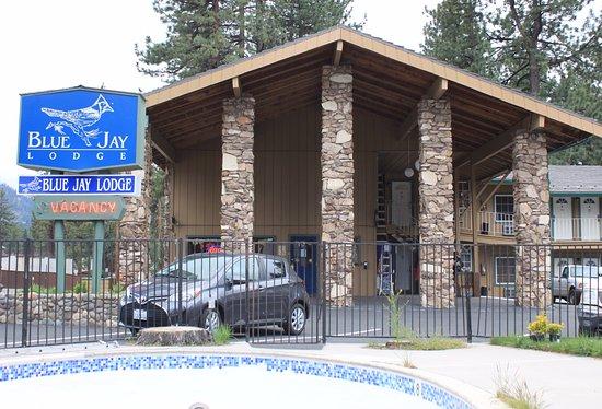 Blue Jay Lodge: Reception & Breakfast Room