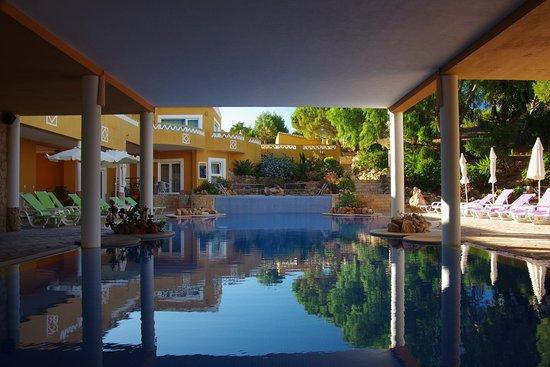 Montinho de Ouro - Pool