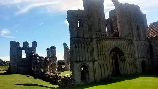 Castle Acre Priory 1
