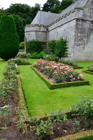 Bodmin, UK: the garden around to the cafe