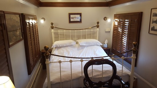 Petworth, UK: Alicante 2. Our double room