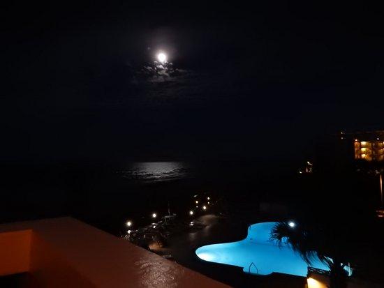 Tropical Manor: room 32 balcony view