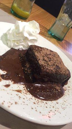 Irún, España: Brownie chocolat chaud chantilly