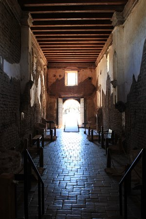 Tumacacori, AZ: Inside the sanctuary, looking from the altar to the back of the room where the entrance is