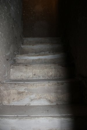 Tumacacori, AZ: Stairs to the back of the building.