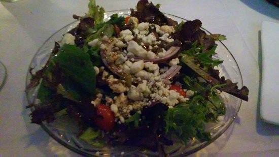 Indialantic, Floryda: vinaigrette salad with blue cheese
