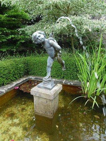 Banchory, UK: Una delle fontane.