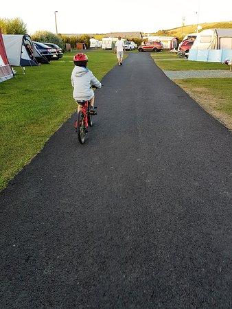 East Fleet Farm Touring Park: Happy cycling