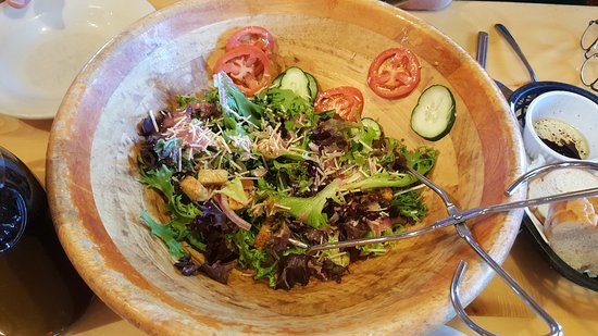 Marconi's: Salad served family style with the house lemon vinagrette dressing.