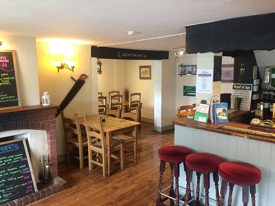Halesworth, UK: New Management From May 2016. Please come and an try us. We don't bite.