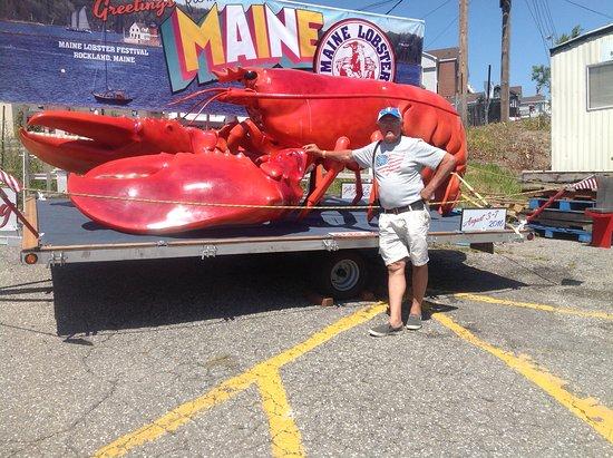 ร็อกแลนด์, เมน: My husband with the giant lobster they use for the parade! Yes they have a parade! We missed it!