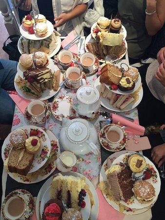 Louchis Tea Room Maesteg Menu