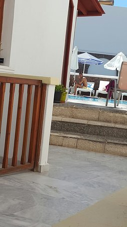 Fomithea Hotel: 20160817_115021_large.jpg