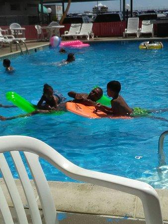 Mercedes y Raúl Vacaciones con los nietos, la tercera vez en esta temporada en Lu Fran motel, gr