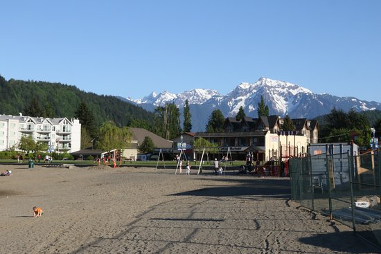 Harrison Hot Springs, Canadá: View to the mountains