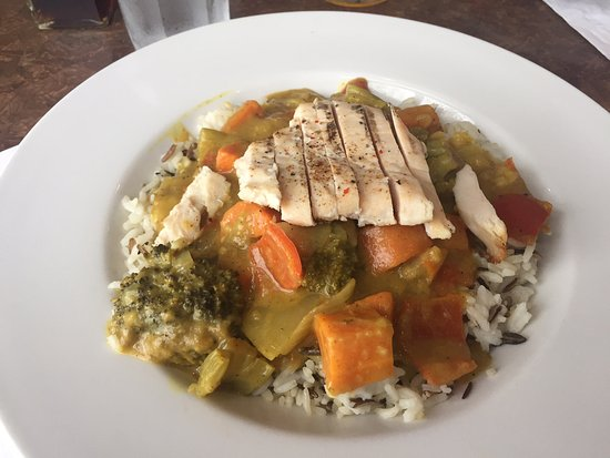 August Currie special with chicken, The Shady Rest Waterfront, Qualicum Beach, BC