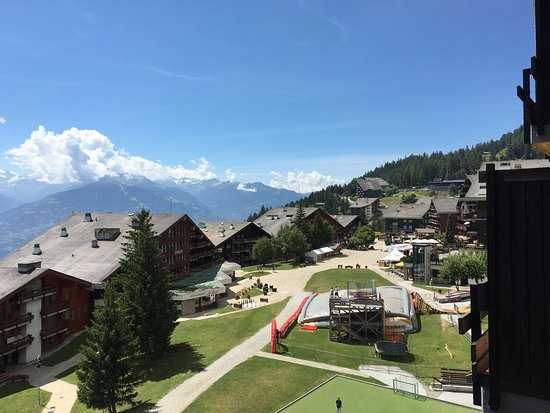 Anzère, Suiza: Stunning Beautiful views ever changing, comfortable apartment!
