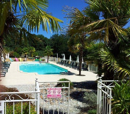 Lalinde, France : Swimming Pool