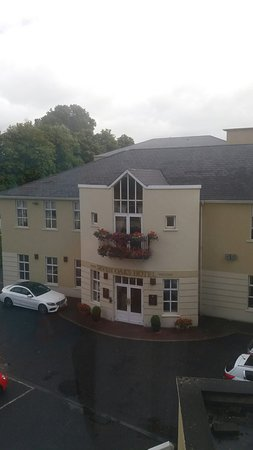 Seven Oaks Hotel: 20160820_124832_large.jpg