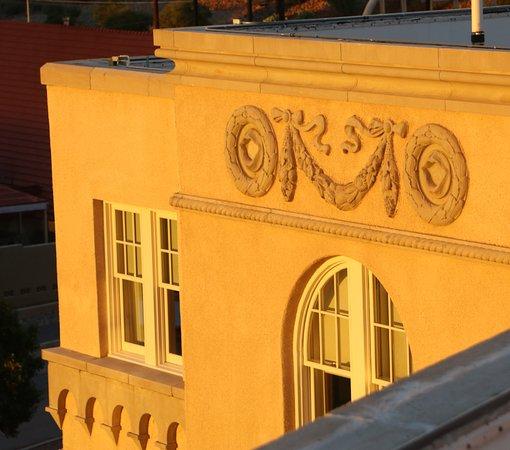 Hotel Parq Central: Architecture view