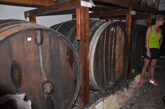 Karterádhos, Yunanistan: 400 year old barrels