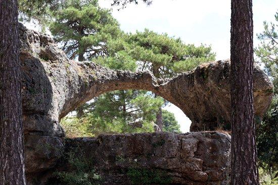 Villalba de la Sierra, สเปน: Puente romano, formado por la acción de un rio subterraneo hace millones de años