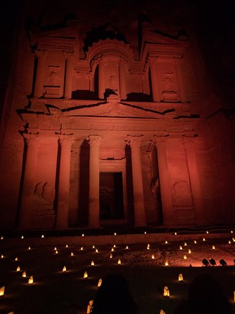 Petra By Night : The Treasury at night, lit up by red spotlights