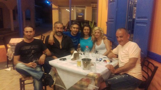 Archangelos, Grecia: ΠΑΝΤΑ ΣΕ ΓΛΕΝΤΙΑ