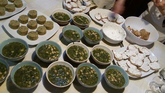 Corso di cucina con erbe di campo, fiori e erbe aromatiche! - Photo ...