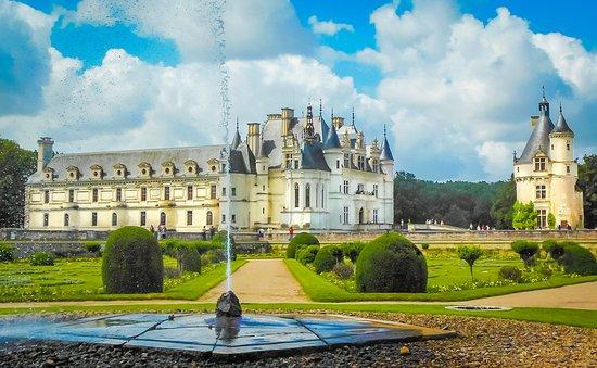 Château de Chenonceau : Chenonceau from Diane's Garden