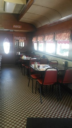 Frazer, Pensilvanya: Old style diner with original wood interior.