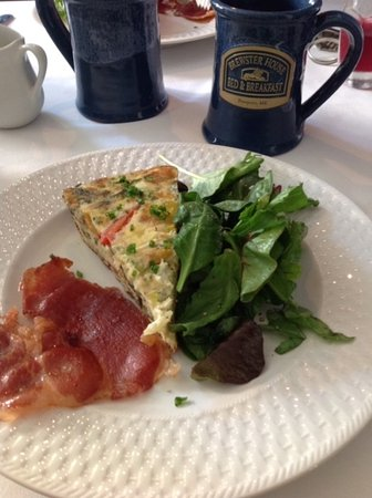 Brewster House Bed & Breakfast: Veggie fritata