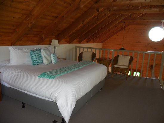 Splinters Guest House: upstairs bedroom