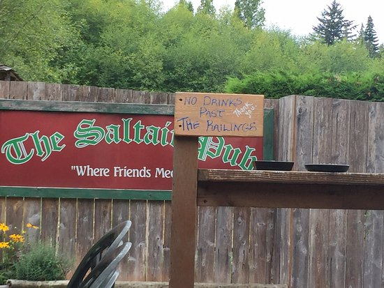 Chemainus, Canada: Back fence view from the back patio, Saltair Neighbourhood Pub, Saltair, BC