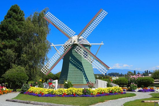 Mount Vernon, Waszyngton: The giant windmill in the front entrance