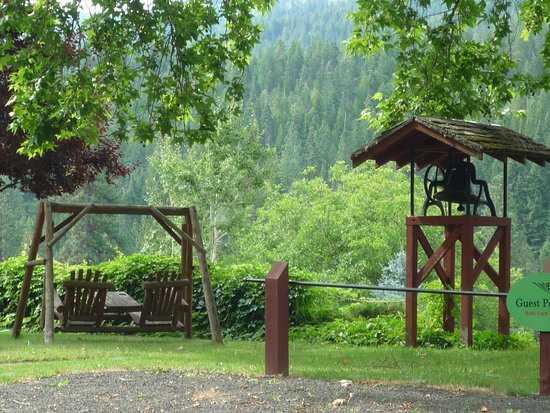 Kooskia, ID: swing overlooks the river valley