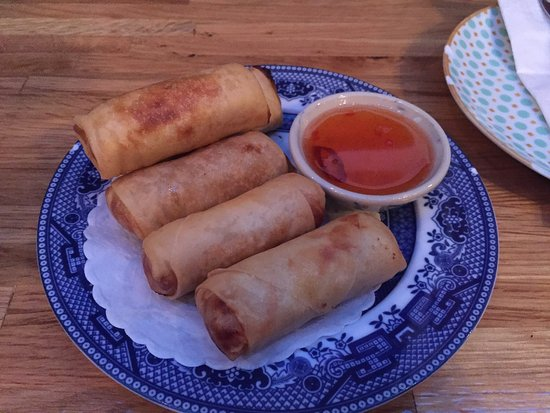 Elmhurst, État de New York : Fried spring rolls