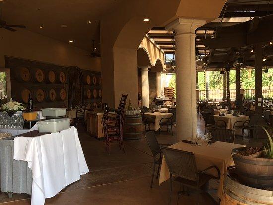 Temecula, CA: Dining area