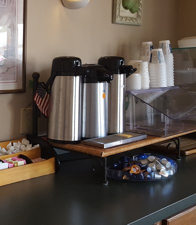 Williamstown, Kentucky: 24 Hour Coffee Station