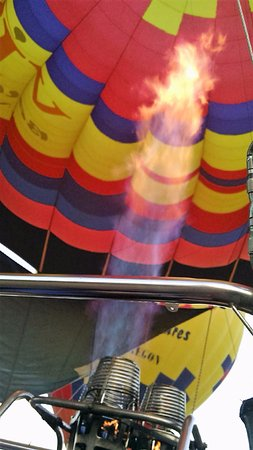 Vista Balloon Adventures: Time to take off. That flame is warm believe me.